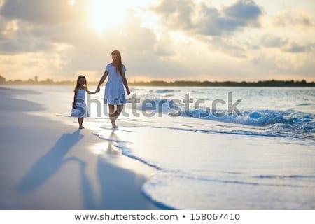 cascalho · praia · pôr · do · sol · cinco · parque - foto stock © paha_l