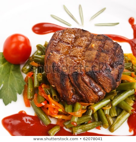 rundvlees · string · bonen · plaat · lunch - stockfoto © digifoodstock