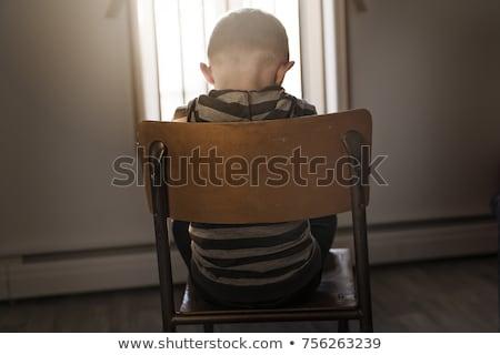Stock fotó: Zaklatott · probléma · gyermek · ül · szék · megfélemlítés