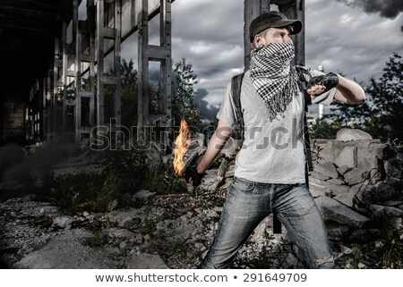 Hombre cóctel botella lucha masculina protesta Foto stock © amok