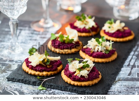 vegetariano · aperitivo · botão · cogumelos · pesto · prato - foto stock © Digifoodstock