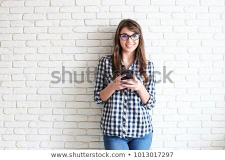 глядя · футболки · открытых · стиральная · машина · женщину - Сток-фото © deandrobot