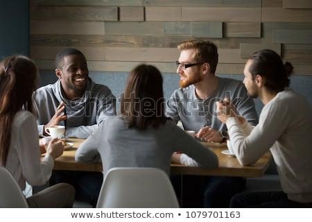 Foto stock: Diverso · grupo · de · personas · debate · reunión · grupo · jóvenes