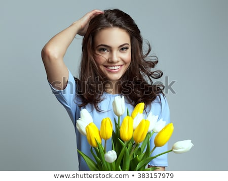 belle · asian · femme · fleuriste · robe · blanche · bouquet - photo stock © svetography