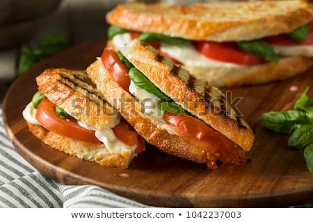 Mozzarella tomate panini laitue fraîches sandwich Photo stock © raphotos