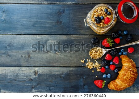 Vetro jar BlackBerry fresche frutti di bosco tavolo in legno Foto d'archivio © hraska