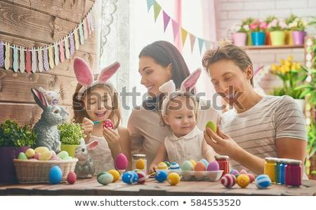 familie · Pasen · vrolijk · pasen · moeder · vader · dochter - stockfoto © choreograph