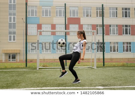 Genç tshirt eğitim oynamak Stok fotoğraf © pressmaster