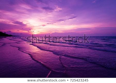 puesta · de · sol · río · siluetas · grúa · puerto · naranja - foto stock © badmanproduction