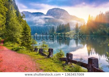 красный · озеро · пейзаж · назад · гор · Румыния - Сток-фото © igabriela