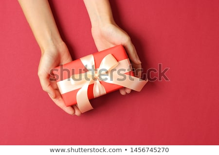 小 · ギフト · 女性 · 手 · 女性 - ストックフォト © julenochek