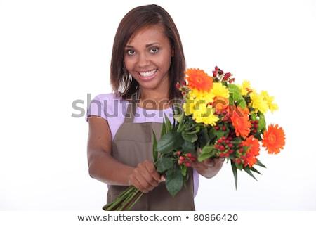 mujer · sonriente · florista · ramo · flores · cliente - foto stock © photography33