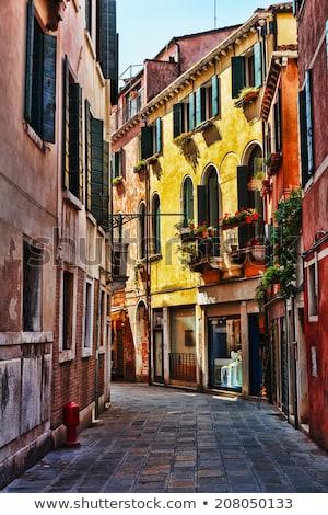 Parede varanda medieval casa Veneza sol Foto stock © Pilgrimego