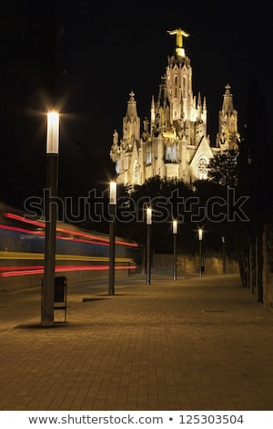 Iglesia noche Barcelona España cielo edificio Foto stock © dinozzaver
