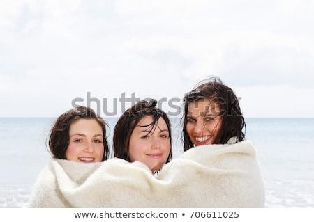 Három lányok osztás pléd természet utazás Stock fotó © IS2