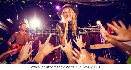 Mikrofon áll szurkolók élvezi zene koncert Stock fotó © wavebreak_media