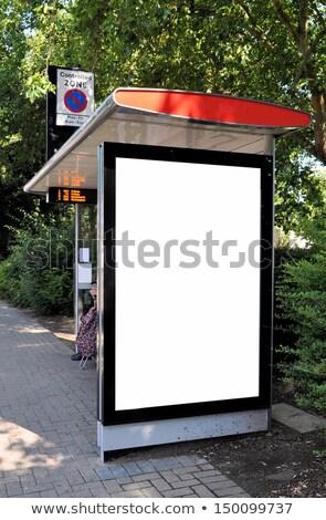 Ao ar livre quadro de avisos parada de ônibus publicidade ônibus bonde Foto stock © stevanovicigor