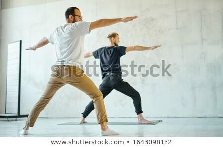 fitt · szőke · nő · jóga · testmozgás · otthon · nappali - stock fotó © wavebreak_media