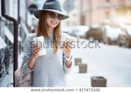 красивая · женщина · мобильных · кофе · красивой · модный - Сток-фото © fantasticrabbit
