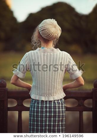 женщину Постоянный назад Vintage одежды берет Сток-фото © vlad_star