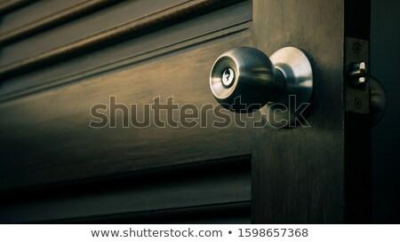 Velho porta manusear enferrujado buraco de fechadura vermelho Foto stock © olandsfokus