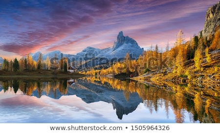 Foto stock: Alpino · puesta · de · sol · nieve · montana · invierno · azul
