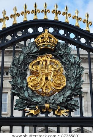 Buckingham · Palace · Londen · gebouw · veiligheid · zomer · reizen - stockfoto © ribeiroantonio