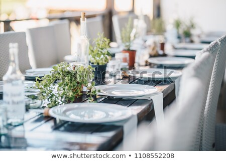 tabela · conjunto · para · cima · refeição · talheres · flor - foto stock © epstock
