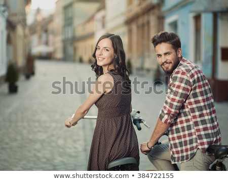 笑みを浮かべて · 若い女の子 · カメラ · かわいい · ブロンド - ストックフォト © stockyimages