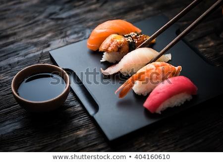 mano · frutti · di · mare · sushi · wasabi · salsa · di · soia · zenzero - foto d'archivio © neirfy
