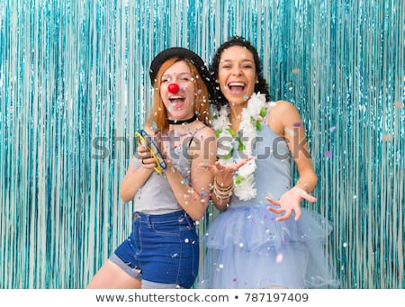 Due ragazze giocare confetti ragazza divertimento Foto d'archivio © IS2
