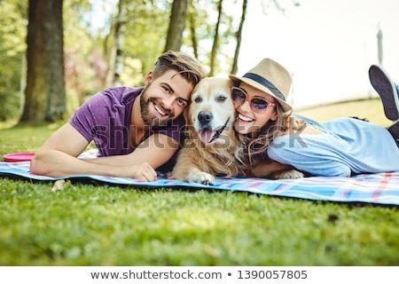 paar · vergadering · golden · retriever · park · gelukkig - stockfoto © is2