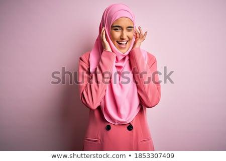 Gyönyörű barna hajú üzletasszony zene fejhallgató nő Stock fotó © lunamarina