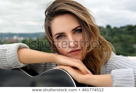 jonge · glimlachend · meisje · gitaar · geïsoleerd · witte - stockfoto © aikon