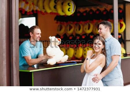 Tini pár lövöldözés galéria jókedv mosolyog Stock fotó © IS2