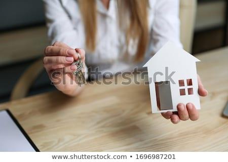 Corretor mão casa chave seguro Foto stock © Freedomz