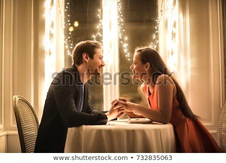 Stockfoto: Paar · romantische · diner · restaurant · tabel · ring
