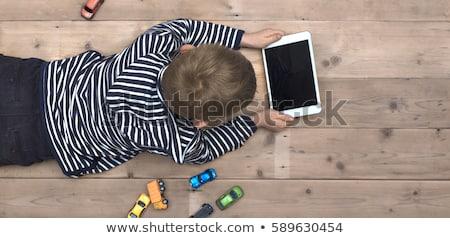 mutlu · aile · dizüstü · bilgisayar · dijital · tablet · oturma · kanepe - stok fotoğraf © lopolo
