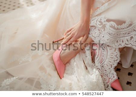 Menyasszonyok cipők menyasszony sétál lépcsősor esküvő Stock fotó © gemenacom