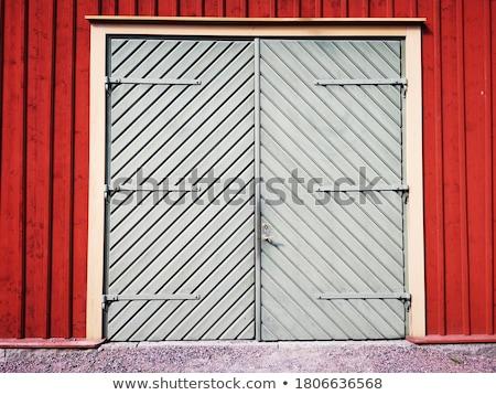 eski · ahşap · ahır · kapı · kapalı · Bina - stok fotoğraf © njnightsky