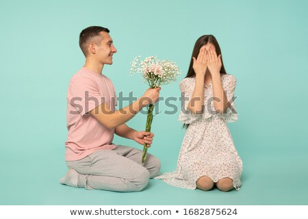 男 · 意外 · 女性の笑顔 · 驚き · 笑顔の女性 · 目 - ストックフォト © is2