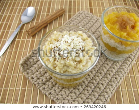 Pudim de arroz maçã sobremesa rosa pereira prato Foto stock © BarbaraNeveu