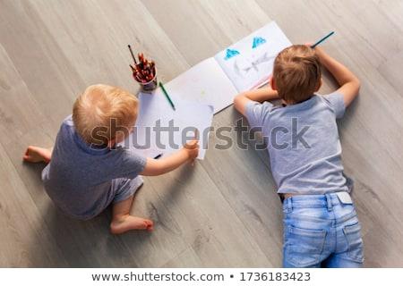 óvoda fiúk rajz padló papír játszik Stock fotó © Len44ik