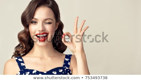 Fiatal nő mutat ok felirat portré kommunikáció Stock fotó © bmonteny