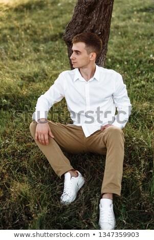 barbudo · homem · mão · cabelo · jovem · casual - foto stock © feedough