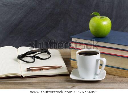 Rustiek student desktop groene appel studie Stockfoto © tab62