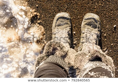 Marrom sapatos coberto neve inverno menina Foto stock © Virgin