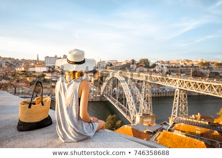 Stockfoto: Jonge · genieten · stad · Portugal · jonge · vrouw · toeristische