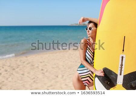 Surfowania sportowiec sportowe strój kąpielowy okulary piaszczysty Zdjęcia stock © ElenaBatkova