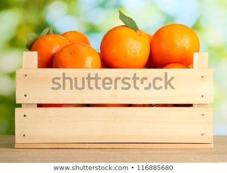 Pomarańcze skrzynia całość cięcia organiczny Zdjęcia stock © ShawnHempel